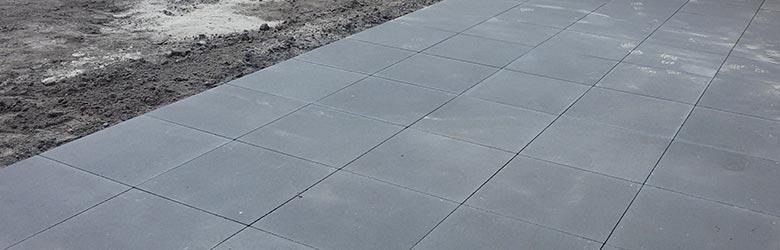 betontegels leggen